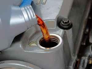 چه زمانی باید روغن موتور را تعویض کنیم؟