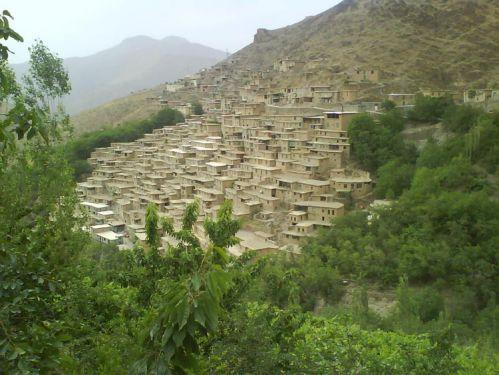 تلفیقی از هنر معماری و شکوه طبیعت در روستای پالنگان