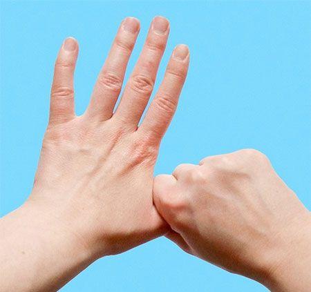 فواید ماساژ دست برای بدن
