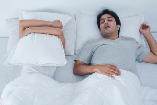 چرا در خواب حرف میزنیم؟!