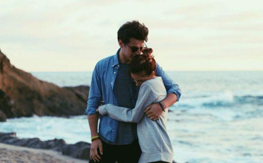 مردی که عاشق تان است این خصوصیات را دارد