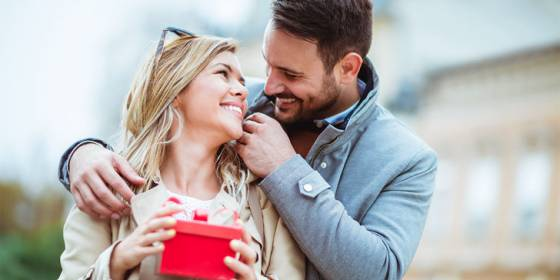 وقتی مردی به شما می گوید دوستت دارم در حقیقت در سرش چه می گذرد؟