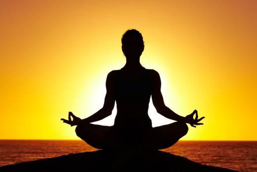 یوگا چگونه به کاهش وزن ما کمک میکند؟